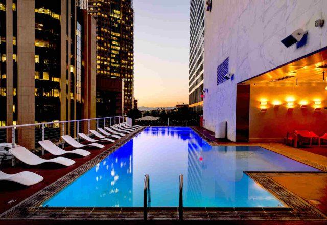 Bazen hotela, slika: https://www.pexels.com